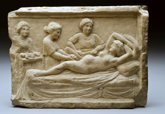 Un dermatólogo en el museo: Parto, nacimiento y muerte en la Antigua Roma
