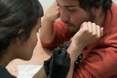 Taller de tatuaje casero