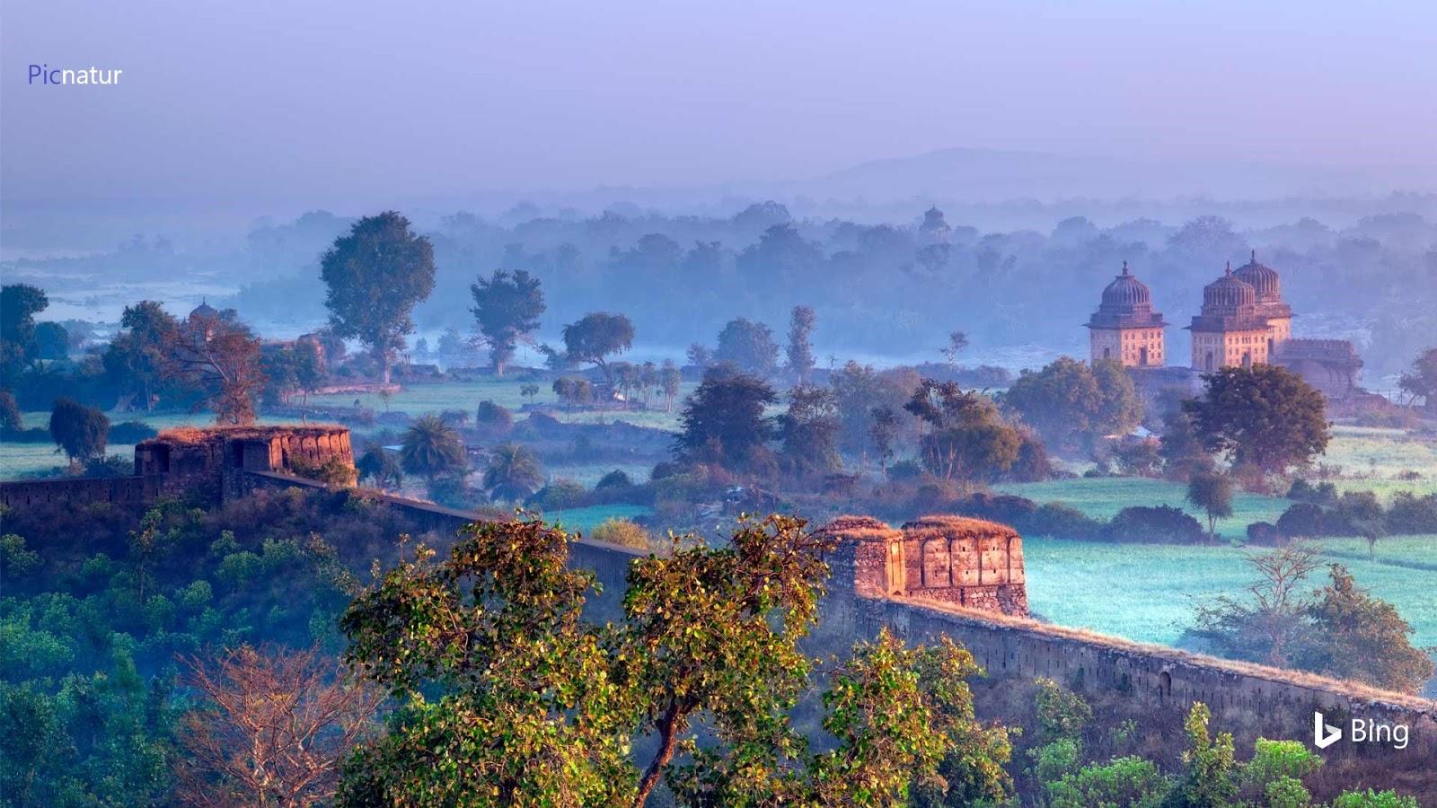 View of Orchha, Madhya Pradesh, India © Holly Barber/Alamy Stock Photo