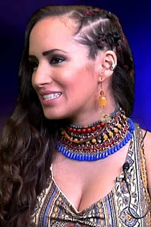 قصة حياة سامية طويل (Samia Tawil)، مغنية سورية مغربية. من مواليد جنيف ـ سويسرا.