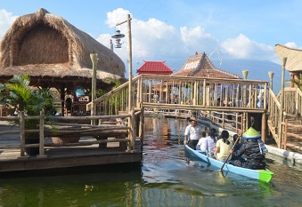 Zona Pasar Apung Nusantara