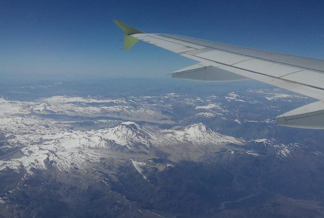 Volcán Descabezado Grande y volcán Quizapú desde el avión (Chile)
