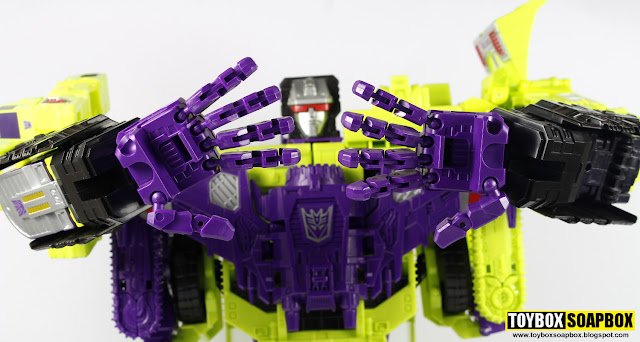 perfect effect combiner wars devastator hands