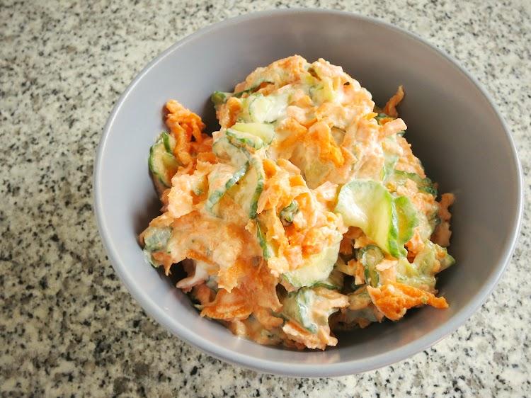 Salada Cremosa e Saudável de Pepino