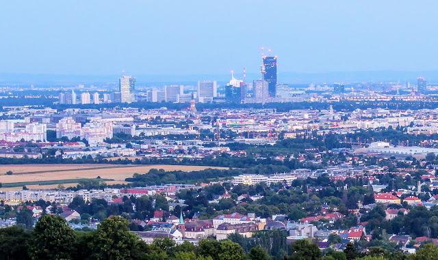 Uno City vom Bisamber Wien aus gesehen