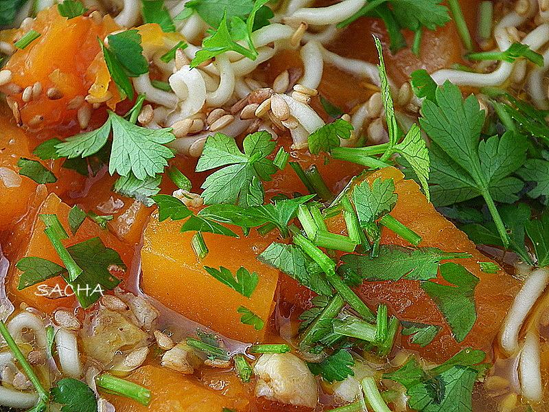 Cuisine moi un l gume blog de recettes d di aux l gumes soupe japonaise la kabocha et au - Recette soupe japonaise ...