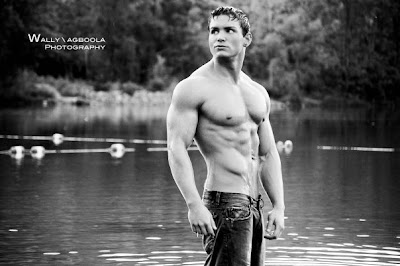 Strong Women's Styles: Nick Noethe: Muscle Model