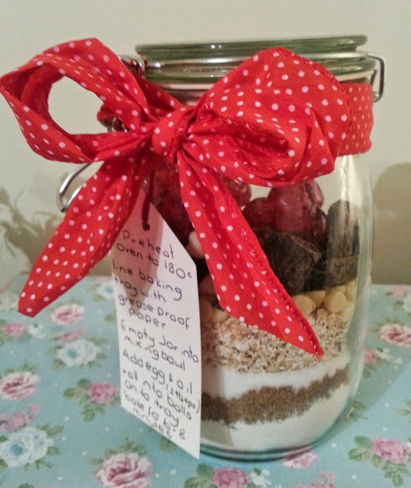 Handmade Gifts – Cookies in a Jar