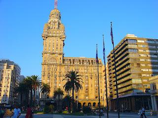 Palacio Salvo: Primeiro Arranha-céu de Montevidéu