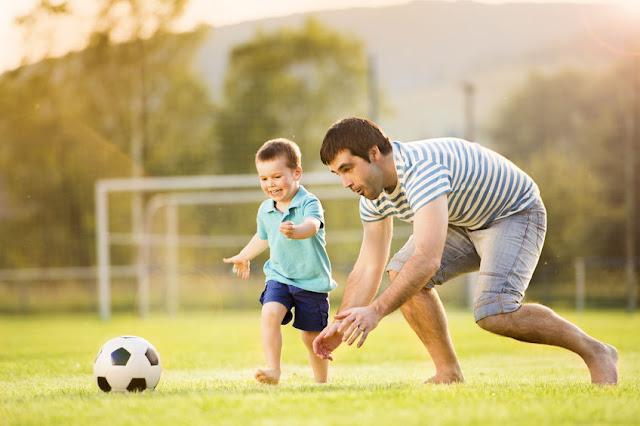 Peran ayah tidak hanya untuk anaknya, tapi juga untuk menguatkan dan mendampingi sang ibu