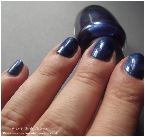 swatches vernis BYS, Vernis nacrés LOL Midnight Blue (24.Royal Affair)