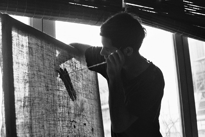 Artist Jose Romussi at work