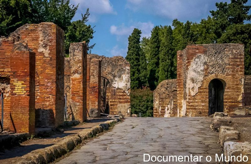 Porta di Ercolano, Pompeia, Itália