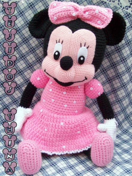 Minnie Mouse Amigurumi - Free Pattern