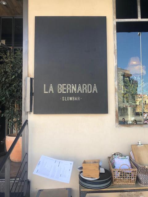 Restaurante La Bernarda . Entrada