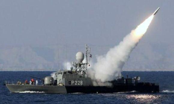 Iran Sukses Tembakkan Rudal dan Torpedo
