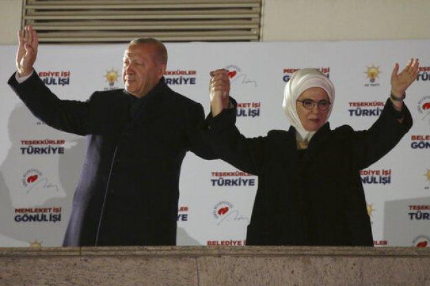 Ο Τ. Ερντογάν αμφισβητεί το αποτέλεσμα των εκλογών στην Κωνσταντινούπολη