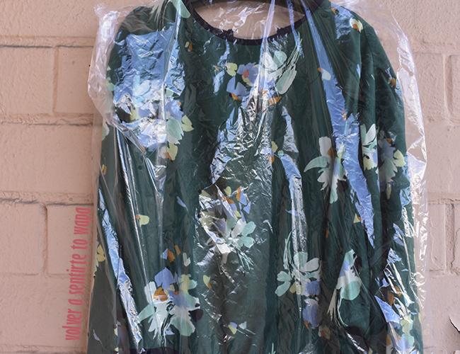 Blusa verde estampada de flores de MANGO