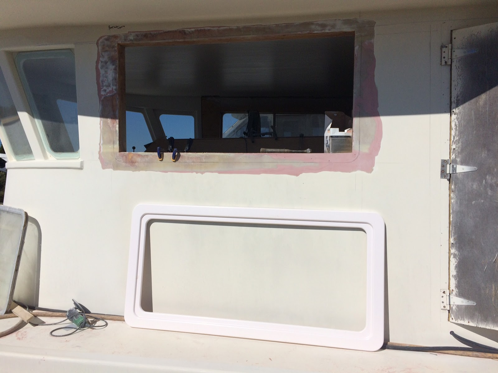 Refit of the 83 Footer Noel.: Window Frame Mold and Installation
