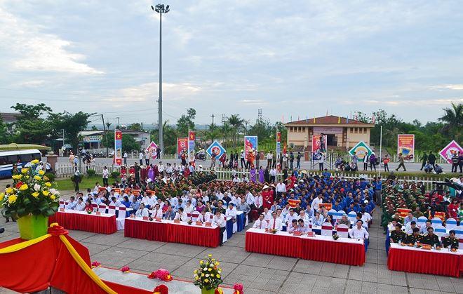 Tại vĩ tuyến 17, tỉnh Quảng Tri tổ chức ngày hội 'Thống nhất non sông' 02
