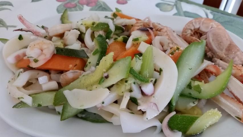 insalata mare con verdurine al vapore