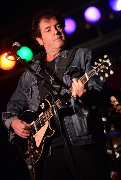 Billy Burnette - Roll Over - Guitar Bug