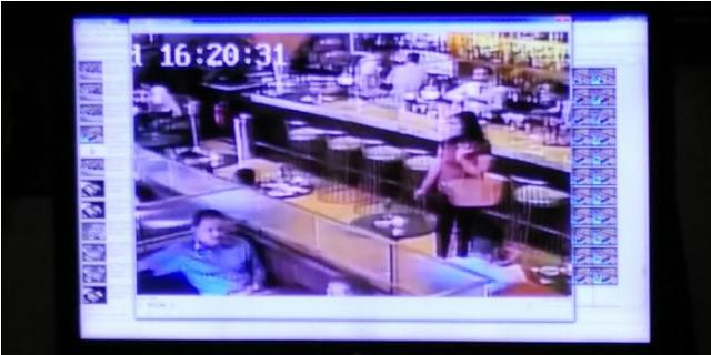 CCTV KASUS JESICA WONGSO.  Terekam CCTV Yang Ada Disalah Satu  Sisi Kafe Di Jam 16.29.50 Hingga 16.33.53 Jesica Melakukan ...