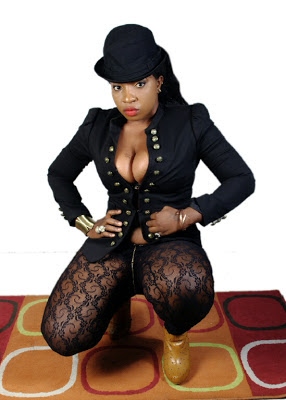 4 Actress Anita Joseph pour out her breastes in her sexy new photos (See it)