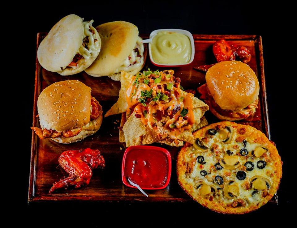 Onekkom com: Special Iftar Platter At Eat & Enjoy