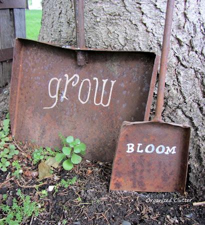 Rusty Shovel Garden Signs
