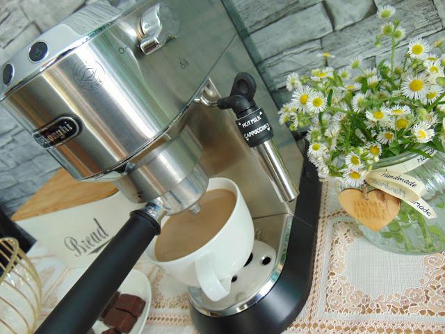 Jaki ekspres do kawy wybrać? Recenzja ekspresu De'Longhi Dedica