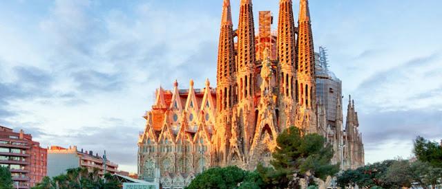 Intip Yuk, Foto Dan Fakta Mengagumkan Dari La Sagrada Familia Di Barcelona Yang Ratusan Tahun Belum Selesai Dibangun