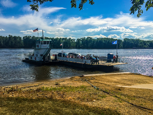 The Pride of Cassville is a car ferry between Cassville WI and Turkey River Iowa