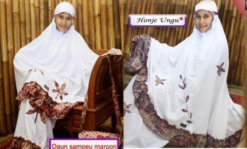 mukena fathiya yang indah untuk wanita muda yang modis