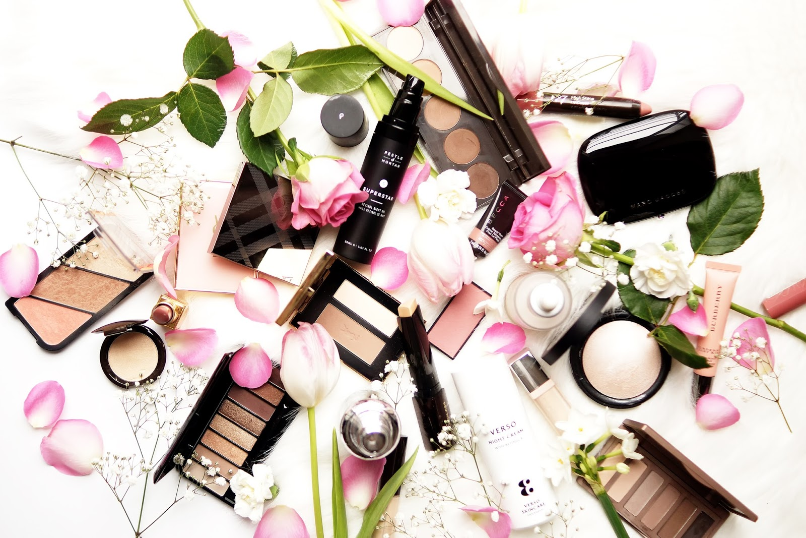 Barely-there-beauty-flatlay-photography-lifestyle-spring-favourites