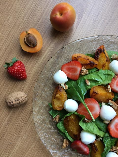 ensalada de espinacas con frutas y nueces receta