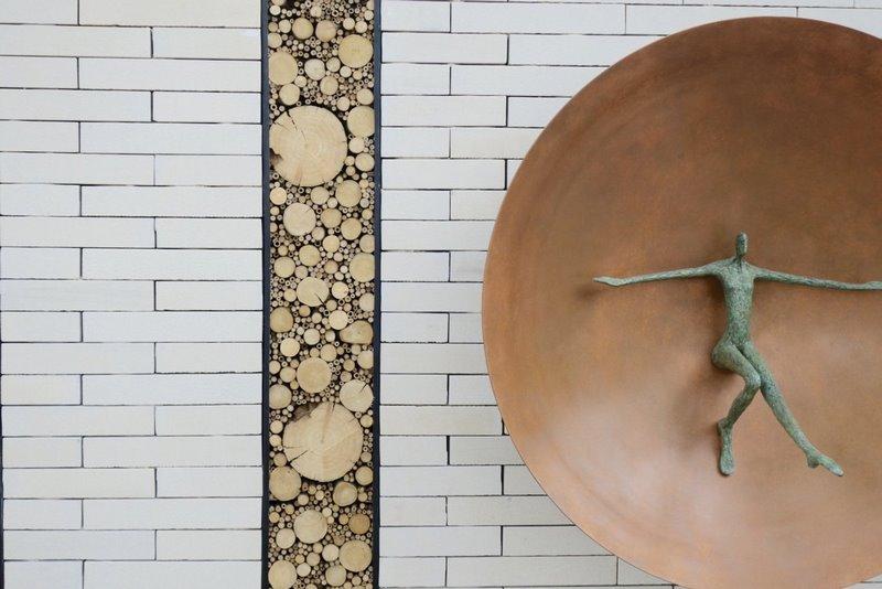 casa para insectos en un diseño de jardín moderno