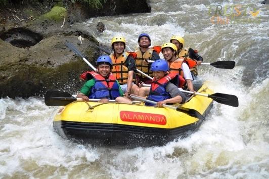 Rafting Arung Jeram Bogor
