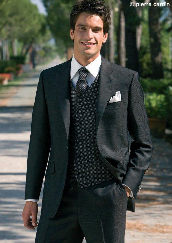 Matrimonio...e un tocco di classe  Come Vestirsi Per un Matrimonio ... 34d5c43a6f0