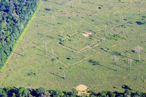Resultado de imagem para enigma buracos no acre brasil 2016