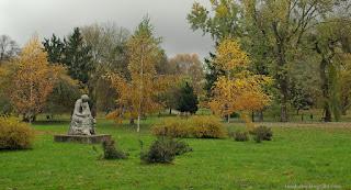 http://fotobabij.blogspot.com/2015/04/park-jesienia.html