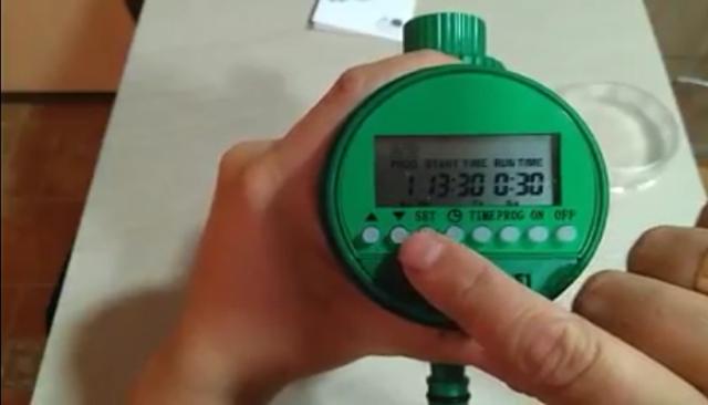 Reloj para controlar el tiempo de riego