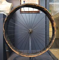 ban sepeda pneumatik pertama Dunlop