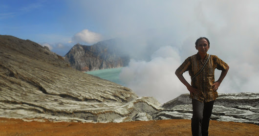 IJEN CRATER TOUR, Java Blue Fire Crater