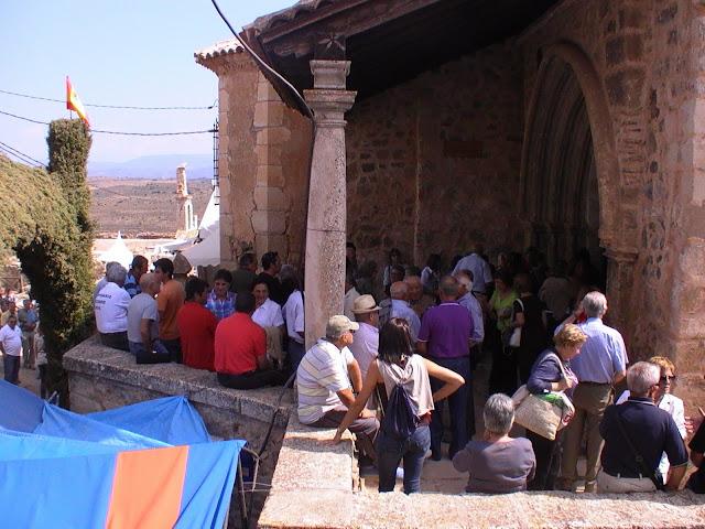 portico-iglesia-moya