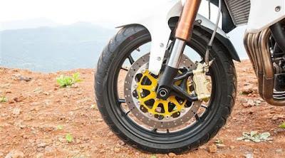 Benelli TNT 600 GTfront wheel