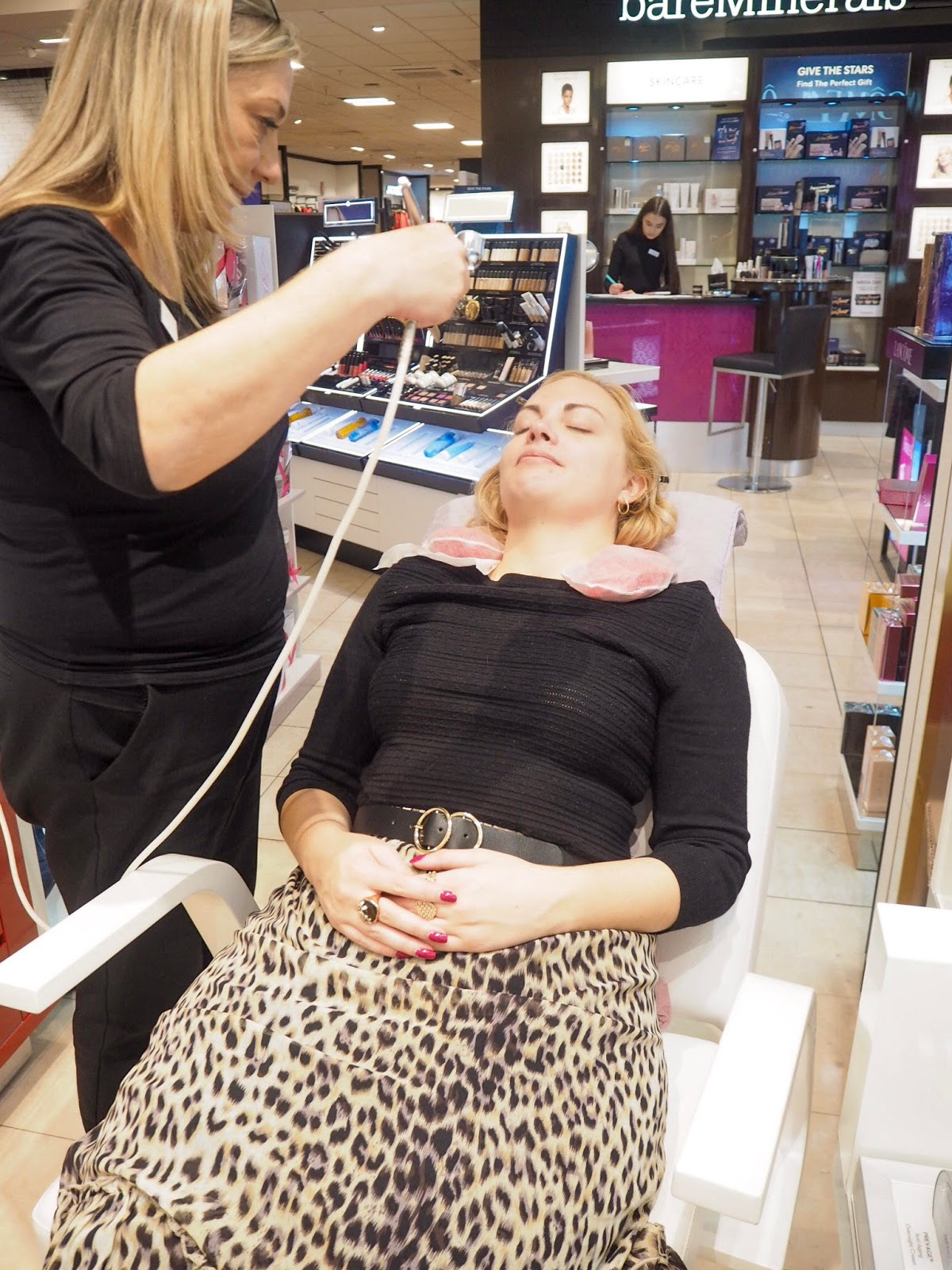 Debenhams Pamper Day & Personal Shopping, Debenhams Brighton, Brighton Blogger, UK Blogger, Katie Kirk Loves, Debenhams Personal Shopper, Elizabeth Arden, Urban Decay, Cherry Eye Shadow Palette