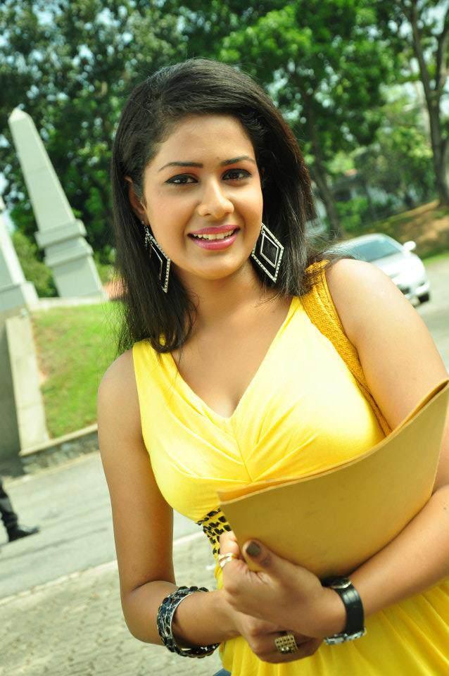 Sri lankan Actress: Dilhani Ashokamala