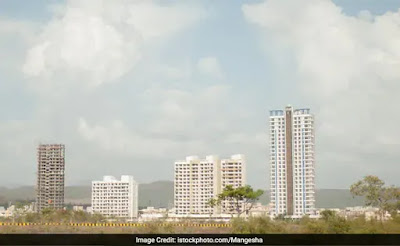 Customers not receiving 5100 residential units along the Western Express Highway