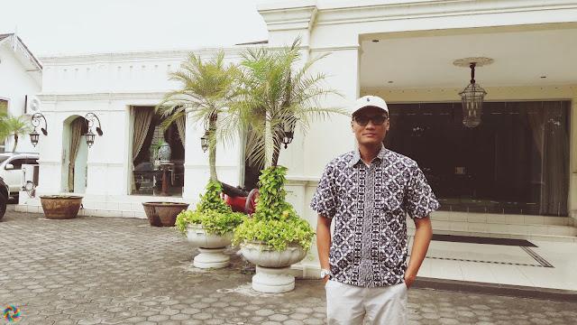At Solo - Budaya